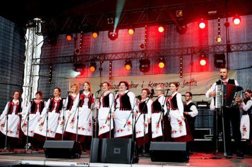 """2015 08 02 DSC6179 1024x682 500x332 Basznia Dolna – """"Festiwal Kultur i Kresowego Jadła"""""""