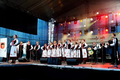"""2015 08 02 DSC6665 1024x682 500x332 Basznia Dolna – """"Festiwal Kultur i Kresowego Jadła"""""""